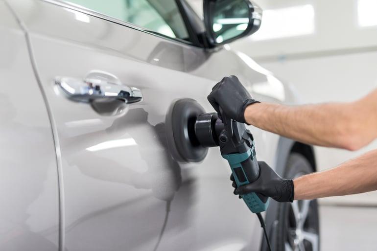 Reparar arañazos coche profundos