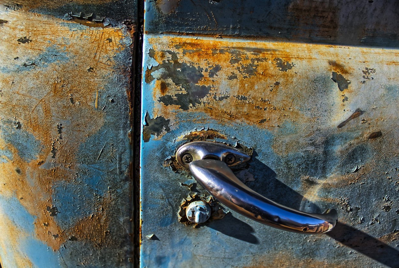 chapa oxidada puerta.jpg