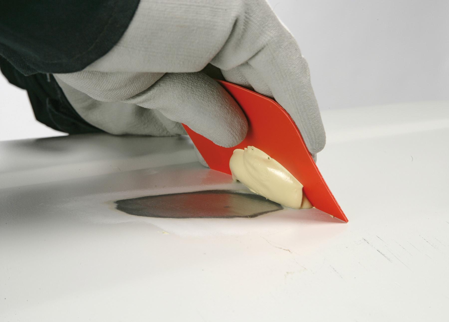 Artículo técnico: 'Guía básica sobre masillas para automoción'
