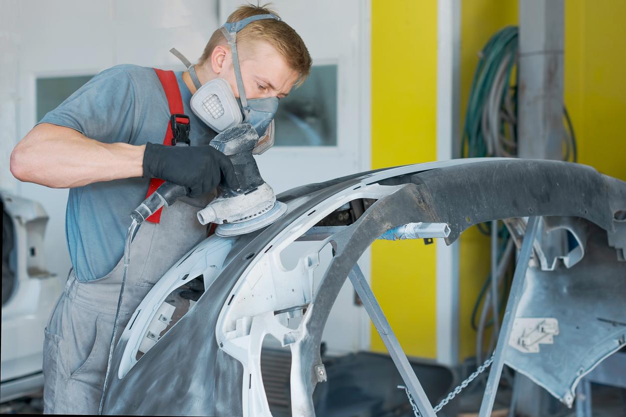 Reparación de piezas de plástico del automóvil