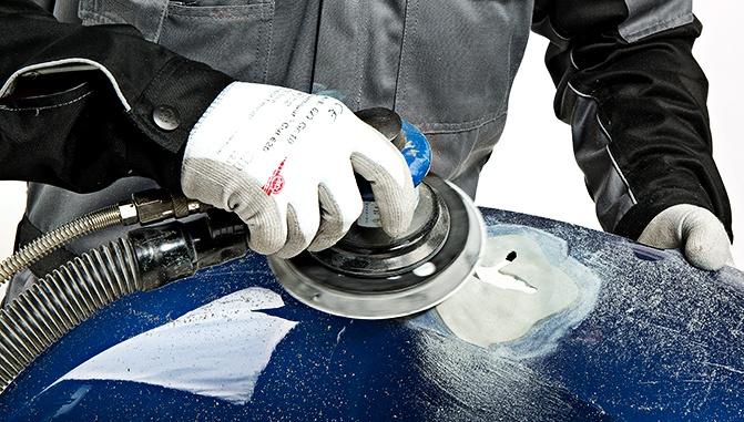 Artículo técnico: 'Reparación de grieta sobre plástico con adhesivo bicomponente'