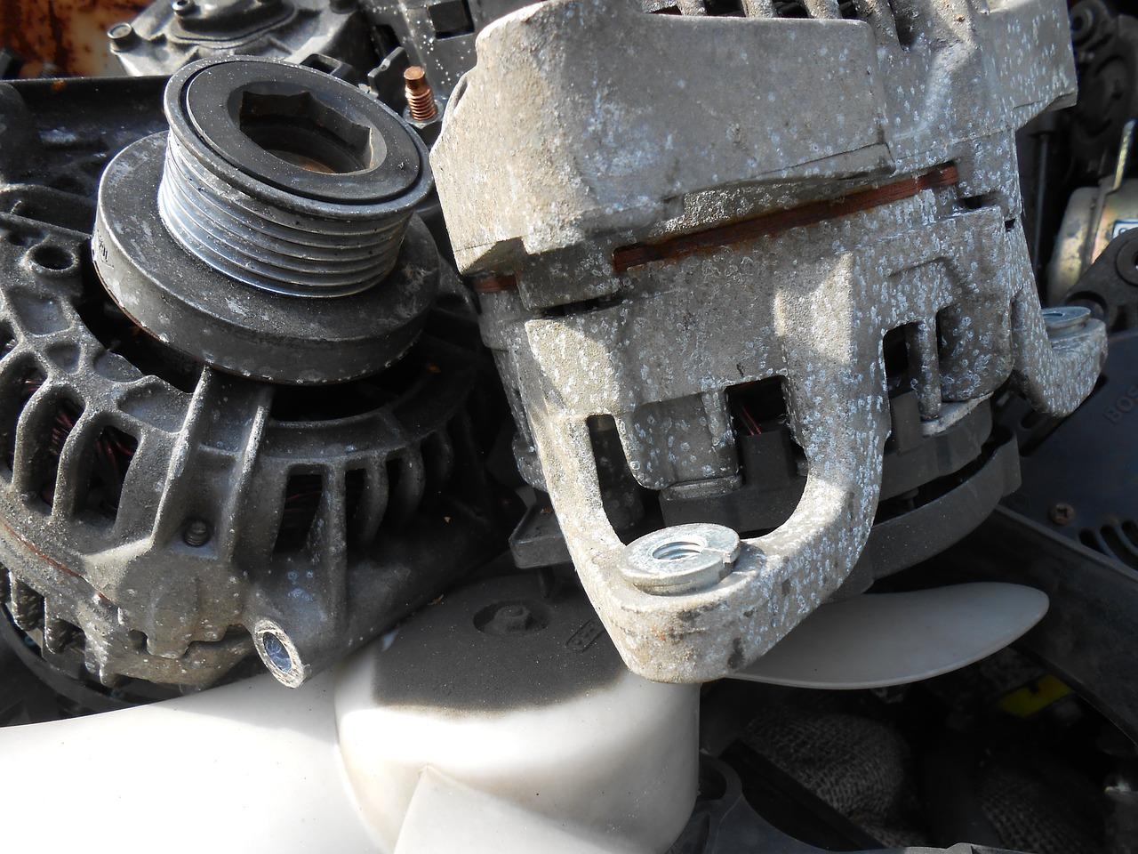 Cómo hacer comprobaciones en el alternador de un coche