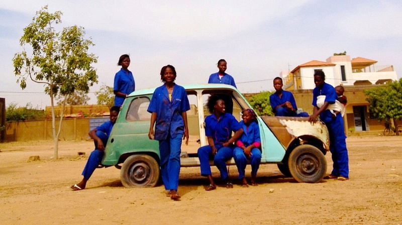 Las Ouaga Girls, rompiendo moldes desde un taller de Burkina Faso