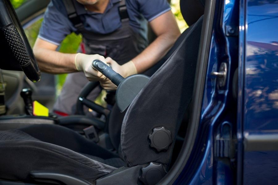 6 errores típicos a la hora de limpiar los asientos del coche