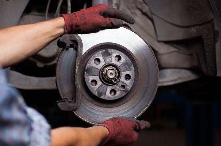 Limpiador de frenos: características, usos y precauciones